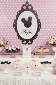 Minnie Mouse Birthday Party with So Many REALLY CUTE IDEAS via Kara's Party Ideas | Kara'sPartyIdeas.com #MickeyMouse #MinnieMouse #Party #Ideas #Supplies (14)