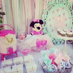 Shabby Chic Minnie Mouse Party with Lots of REALLY CUTE Ideas via Kara's Party Ideas | Kara'sPartyIdeas.com #Vintage #Girl #MinnieMouse #Party #Ideas #Supplies (9)