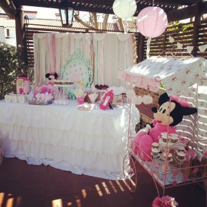 Shabby Chic Minnie Mouse Party with Lots of REALLY CUTE Ideas via Kara's Party Ideas | Kara'sPartyIdeas.com #Vintage #Girl #MinnieMouse #Party #Ideas #Supplies (7)