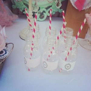 Shabby Chic Minnie Mouse Party with Lots of REALLY CUTE Ideas via Kara's Party Ideas | Kara'sPartyIdeas.com #Vintage #Girl #MinnieMouse #Party #Ideas #Supplies (6)