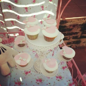 Shabby Chic Minnie Mouse Party with Lots of REALLY CUTE Ideas via Kara's Party Ideas | Kara'sPartyIdeas.com #Vintage #Girl #MinnieMouse #Party #Ideas #Supplies (5)