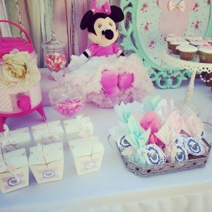 Shabby Chic Minnie Mouse Party with Lots of REALLY CUTE Ideas via Kara's Party Ideas | Kara'sPartyIdeas.com #Vintage #Girl #MinnieMouse #Party #Ideas #Supplies (3)