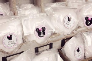 Minnie Mouse Birthday Party with So Many REALLY CUTE IDEAS via Kara's Party Ideas | Kara'sPartyIdeas.com #MickeyMouse #MinnieMouse #Party #Ideas #Supplies (24)