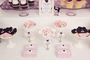 Minnie Mouse Birthday Party with So Many REALLY CUTE IDEAS via Kara's Party Ideas | Kara'sPartyIdeas.com #MickeyMouse #MinnieMouse #Party #Ideas #Supplies (21)