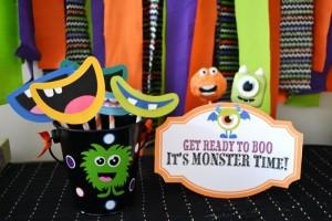 Halloween Monster Bash Full of Awesome Ideas via Kara's Party Ideas | KarasPartyIdeas.com #Halloween #Party #Ideas #Supplies (4)