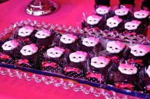 Monster High Themed Party with FULL of Really AWESOME Ideas via Kara's Party Ideas | KarasPartyIdeas.com #TweenParty #Halloween #Party #Ideas #Supplies (16)