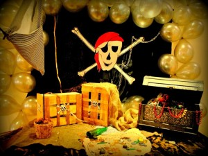 Neverland Themed Pirate and Fairy Party with Lots of Cute Ideas via Kara's Party Ideas | Kara'sPartyIdeas.com #Tinkerbell #Neverland #Hook #Pirate #Fairy #TreasureHunt #Party #Ideas #Supplies (17)