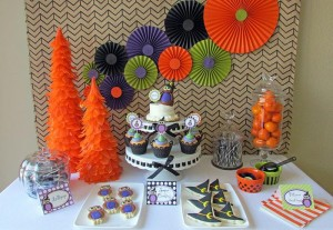 Owl Themed Halloween Party with Lots of Cute Ideas via Kara's Party Ideas | KarasPartyIdeas #Halloween #Party #Ideas #Supplies (7)