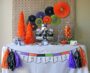 Owl Themed Halloween Party with Lots of Cute Ideas via Kara's Party Ideas | KarasPartyIdeas #Halloween #Party #Ideas #Supplies (6)
