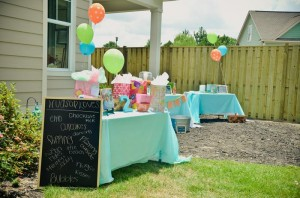 Peach Stand 2nd Birthday Party with DARLING IDEAS via Kara's Party Ideas | Kara'sPartyIdeas.com #Peaches #Harvesting #Summer #PartyIdeas #Supplies (16)