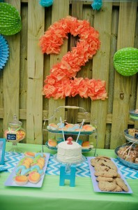 Peach Stand 2nd Birthday Party with DARLING IDEAS via Kara's Party Ideas | Kara'sPartyIdeas.com #Peaches #Harvesting #Summer #PartyIdeas #Supplies (10)