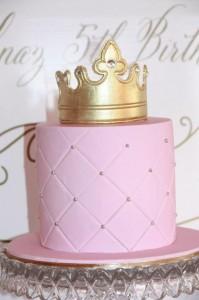 Pink and Gold Princess Party So Many Really Cute Ideas via Kara's Party Ideas KarasPartyIdeas.com #RoyalPrincess #Party #Ideas #Supplies (15)