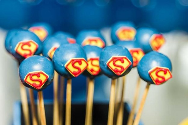 Superman Themed Birthday Party with So Many FABULOUS IDEAS via Kara's Party Ideas | Kara'sPartyIdeas.com #Superman #ClarkKent #Kryptonite #Party #Ideas #Supplies (32)