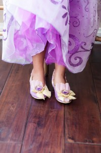Tangle Birthday Party with Lots of Cute Ideas via Kara's Party Ideas Kara'sPartyIdeas.com #Rapunzel #Disney #Party #Ideas #Supplies (9)