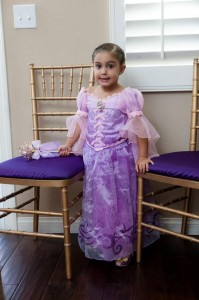 Tangle Birthday Party with Lots of Cute Ideas via Kara's Party Ideas Kara'sPartyIdeas.com #Rapunzel #Disney #Party #Ideas #Supplies (8)