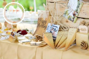 Outdoor Vintage Wedding with Lots of REALLY CUTE IDEAS via Kara's Party Ideas | Kara'sPartyIdeas.com #Rustic #CountryWedding #DessertTable #PartyIdeas #Supplies (8)