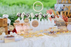 Outdoor Vintage Wedding with Lots of REALLY CUTE IDEAS via Kara's Party Ideas | Kara'sPartyIdeas.com #Rustic #CountryWedding #DessertTable #PartyIdeas #Supplies (2)