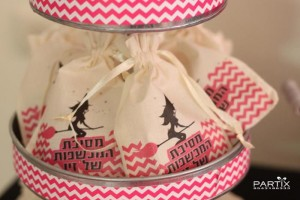 Witch Themed 9th Birthday Party with So Many Darling Ideas via Kara's Party Ideas | KarasPartyIdeas.com #WitchesNightOut #Halloween #Party #Ideas #Supplies (4)