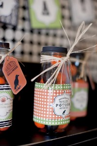25+ Spooktacular Halloween DIY Ideas via Kara's Party Ideas | KarasPartyIdeas.com #HalloweenParty #PartyIdeas #Supplies (38)