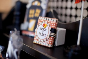 25+ Spooktacular Halloween DIY Ideas via Kara's Party Ideas | KarasPartyIdeas.com #HalloweenParty #PartyIdeas #Supplies (37)