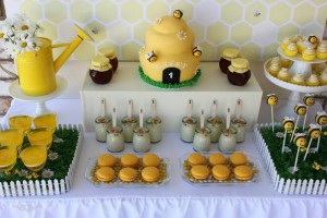 1st Bee-Day Party with Such Cute Ideas via Kara's Party Ideas | KarasPartyIdeas.com #HoneybeeParty #Party #Ideas #Supplies (20)
