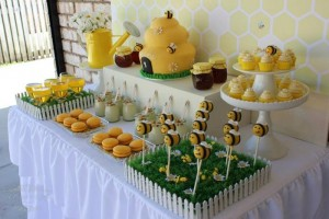 1st Bee-Day Party with Such Cute Ideas via Kara's Party Ideas | KarasPartyIdeas.com #HoneybeeParty #Party #Ideas #Supplies (3)