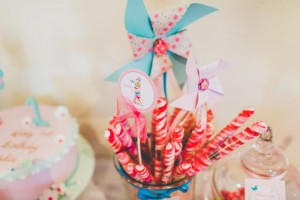 Butterfly Themed 1st Birthday Party with Lots of Cute Ideas via Kara's Party Ideas | KarasPartyIdeas.com #Butterflies #FirstBirthday #PartyIdeas #PartySupplies #Butterfly (31)