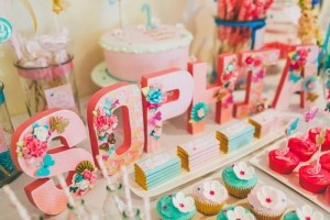 Butterfly Themed 1st Birthday Party with Lots of Cute Ideas via Kara's Party Ideas | KarasPartyIdeas.com #Butterflies #FirstBirthday #PartyIdeas #PartySupplies #Butterfly (24)