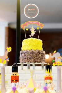 Circus Party with Lots of Awesome Ideas via Kara's Party Ideas | KarasPartyIdeas.com #Carnival #Party #Ideas #Supplies (17)