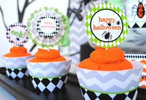 Eek-O-Ween Party with FREE PRINTABLES and Such Cute Ideas via Kara's Party Ideas | KarasPartyIdeas.com #HalloweenParty #HalloweenPrintables #Party #Ideas #Supplies (2)