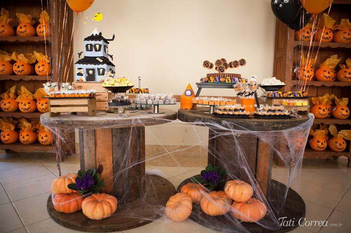 halloween birthday party with such cute ideas via karas party ideas karaspartyideascom - Halloween Birthday Party Decorations