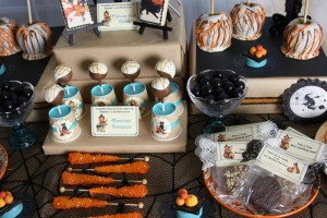 Vintage Halloween Party with Lots of REALLY CUTE IDEAS via Kara's Party Ideas | KarasPartyIdeas.com #HallowsEve #Party #Ideas #Supplies (34)