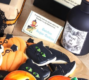 Vintage Halloween Party with Lots of REALLY CUTE IDEAS via Kara's Party Ideas | KarasPartyIdeas.com #HallowsEve #Party #Ideas #Supplies (18)