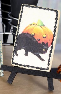 Vintage Halloween Party with Lots of REALLY CUTE IDEAS via Kara's Party Ideas | KarasPartyIdeas.com #HallowsEve #Party #Ideas #Supplies (7)