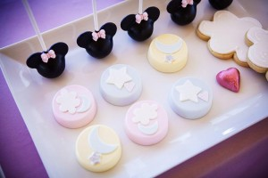 Goodnight Minnie Mouse Party with Lots of Really Cute Ideas via Kara's Party Ideas | KarasPartyIdeas.com #MinnieMouseParty #Party #Ideas #Supplies (35)