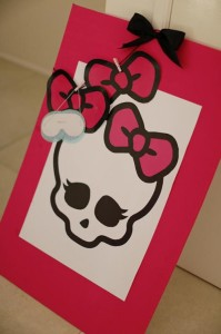 Chic Monster High Party with Such AWESOME Ideas via Kara's Party Ideas | KarasPartyIdeas.com #MonsterHighDollParty #Party #Ideas #Supplies (14)