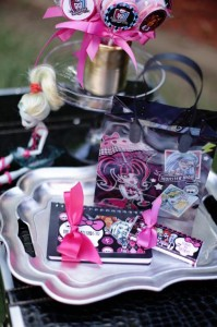 Chic Monster High Party with Such AWESOME Ideas via Kara's Party Ideas | KarasPartyIdeas.com #MonsterHighDollParty #Party #Ideas #Supplies (4)