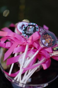Chic Monster High Party with Such AWESOME Ideas via Kara's Party Ideas | KarasPartyIdeas.com #MonsterHighDollParty #Party #Ideas #Supplies (26)