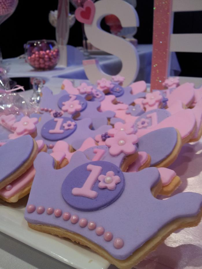 Kara 39 s party ideas princess themed 1st birthday party such for Princess birthday party crafts