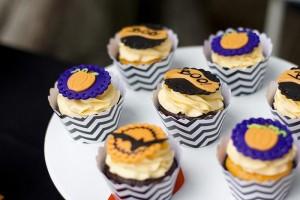 Retro Halloween Party with Lots of Really Cute Ideas via Kara's Party Ideas | KarasPartyIdeas.com #HalloweenParty #BlackCatParty #PartyIdeas #Supplies (13)