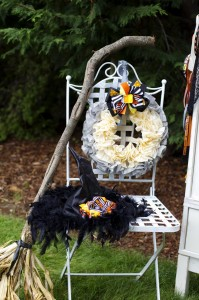 Retro Halloween Party with Lots of Really Cute Ideas via Kara's Party Ideas | KarasPartyIdeas.com #HalloweenParty #BlackCatParty #PartyIdeas #Supplies (6)