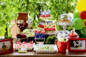 Snow White Themed 1st Birthday Party with Lots of Cute Ideas via Kara's Party Ideas KarasPartyIdeas.com #SnowWhiteParty #Party #Ideas #Supplies (5)