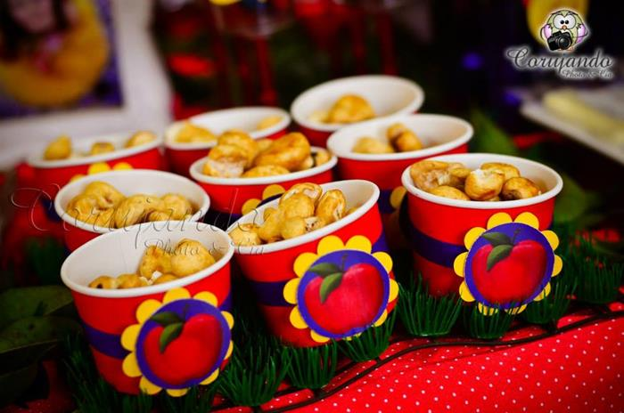 Snow White Themed Birthday Party With So Many Adorable Ideas Via Karas