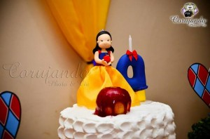 Snow White Themed Birthday Party with So Many Adorable Ideas via Kara's Party Ideas | KarasPartyIdeas.com #SnowWhiteParty #SevenDwarfsParty #Party #Ideas #Supplies (2)