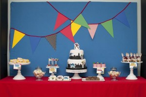 Superhero Themed Birthday Party with So Many Cute Ideas via Kara's Party Ideas | KarasPartyIdeas.com #SupermanParty #BatmanParty #PartyIdeas #Supplies (18)