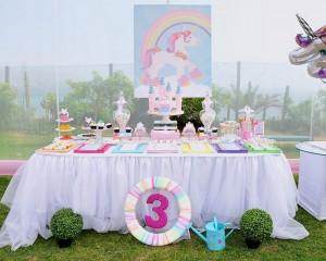 Rainbows and Unicorns Party with So Many Cute Ideas via Kara's Party Ideas | KarasPartyIdeas.com #UnicornParty #RainbowParty #PartyIdeas #Supplies (9)