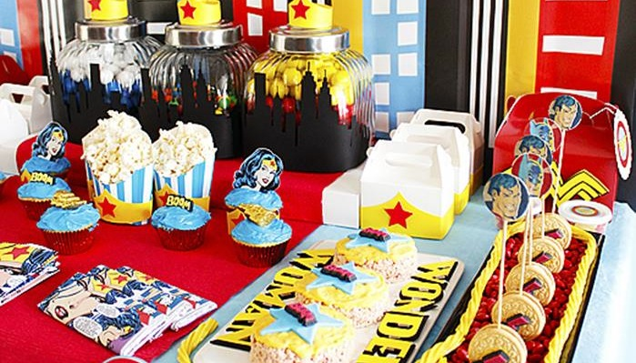 Kara S Party Ideas Wonder Woman Planning Supplies Idea Superhero Decorations