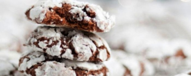 Chocolate Mint CRINKLE COOKIES! Yum! Recipe via Kara's Party Ideas | KarasPartyIdeas.com #chocolatekrinklecookies 2