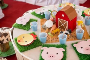 Barnyard Party with Full of Ideas via Kara's Party Ideas | KarasPartyIdeas.com #BarnyardParty #FarmParty #PartyIdeas #Supplies (12)