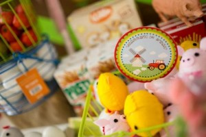 Barnyard Party with Full of Ideas via Kara's Party Ideas | KarasPartyIdeas.com #BarnyardParty #FarmParty #PartyIdeas #Supplies (6)
